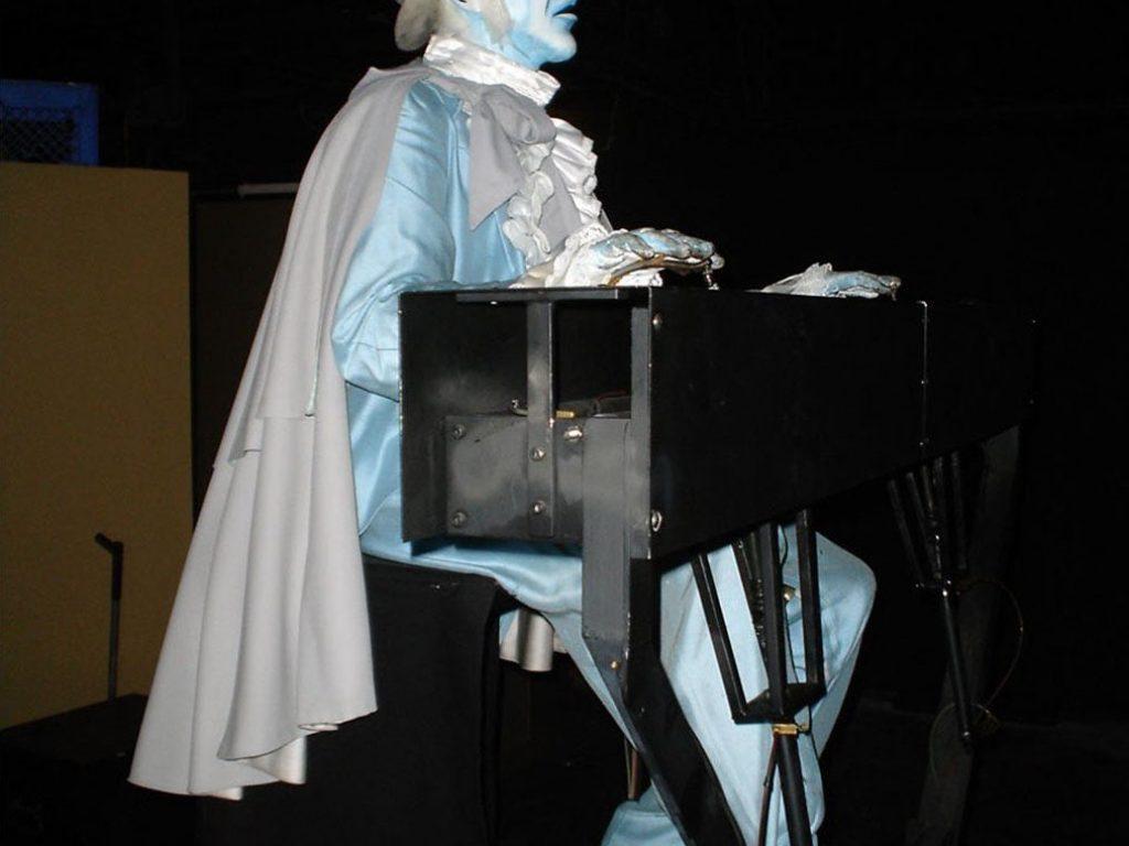 hauntaed mansion organ player